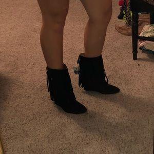 !!BRAND NEW Black Fringe Wedge Boots!!